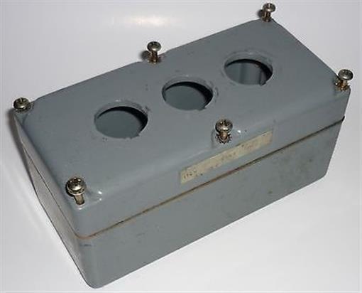 ELECTRICAL ENCLOSURE PUSH BUTTON BOX PUSHBUTTON 9001-KY3 SQUARE D SCHNEIDER CAST