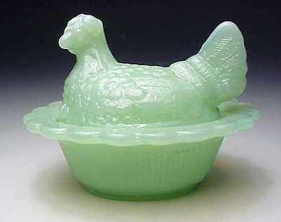 Pretty Jadeite Jadite Green Milk Glass Hen On Nest Chick Salt Dish Salter Mosser