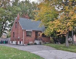 $2750 +Utilities for 3 Bedroom Detached house in Mineola