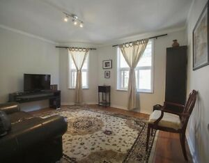 Beautiful two bedroom apartment for Rent Toronto - All inclusive