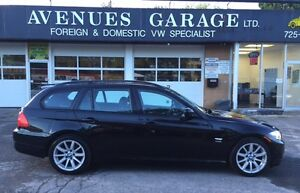 2010 BMW 328i xDrive Wagon Sports Pakage  $132.00 Bi-weekly(OAC)