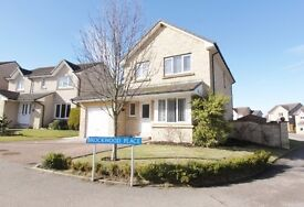 Modern 4 Bedroom large family home, excellently located for city and all industrial estates