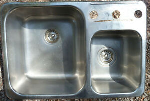 DROP IN STAINLESS STEEL SINK AND A HALF