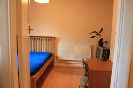 VERY GOOD SIZE SINGLE ROOM IN QUIET AND CLEAN FLAT IN BERMONDSEY