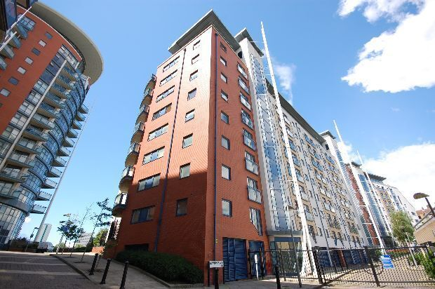 CALLING ALL STUDENTS AVAILABLE SEPTEMBER 3 BED RIVERSIDE GATED APARTMENT WITH GYM AND CONCIERGE