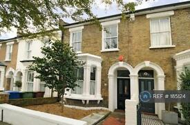 3 bedroom house in Danby Street, London, SE15 (3 bed)