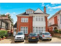 2 bedroom flat in Alum Chine, BH4