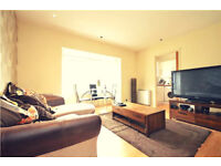 Pleasant 2 Bed Apartment in popular Worcester Park