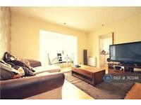 2 bedroom flat in Worcester Park, Worcester Park, KT4 (2 bed)