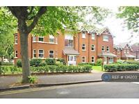 2 bedroom flat in Stanley Road, Sutton, SM2 (2 bed)