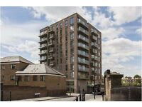 Amazing spacious two bedroom two bathroom apartment in Limehouse, E1