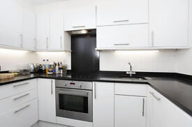 STUNNING 2 BED APARTMENT LOCATED IN THE HEART OF SHAD THAMES, SE1! FANTASTIC PRICE & LOCATION!