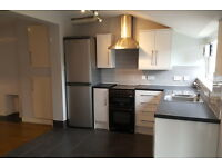 2 bedroom house in Emlyn Road, REDHILL, RH1