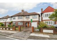 5 bedroom house in High Drive, New Malden, KT3