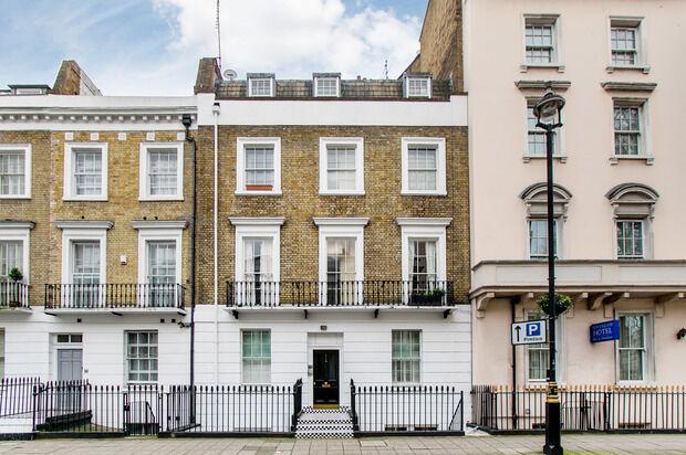 2 bedroom flat in Warwick Way, London, SW1V
