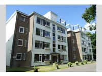 2 bedroom flat in Branksome Park, BH13