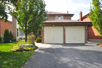 Stunning 4+1 Br and 4Wr Located in Stouffville - 130 Aspen Cres.