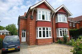 1 bedroom flat in Weelsby Road, Grimsby