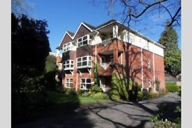 2 bedroom flat in Westbourne, BH12