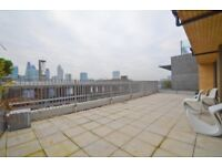 Amazing 3 bedroom two bathroom penthouse apartment in Spitalfields E1! W/ Roof Terrace + high specs