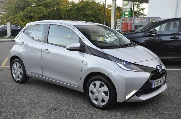 2015 toyota aygo 1 0 vvt i x play petrol silver manual in bromham bedfordshire gumtree. Black Bedroom Furniture Sets. Home Design Ideas