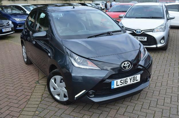 2016 toyota aygo vvt i x play petrol manual in st albans. Black Bedroom Furniture Sets. Home Design Ideas