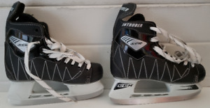 Ice Skates - Boys size: 3 with skate guards