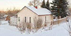 Warm and Quaint: Little House for Rent, Manitou Beach Regina Regina Area image 1