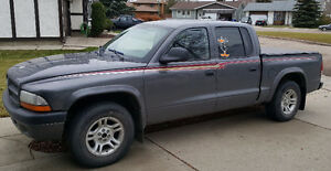 2003 Dodge Dakota Quad Cab !!