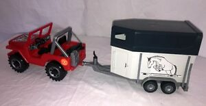 BRUDER JEEP AND HORSE TRAILER