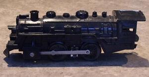 Locomotive de train électrique + 8 différents wagons en métal