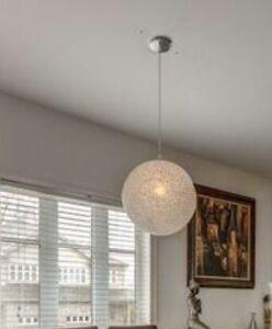 Lumière très moderne à vendre.