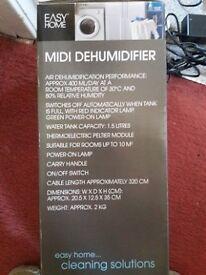 Midi Dehumidifier suitable for small room 1.5 litre capacity
