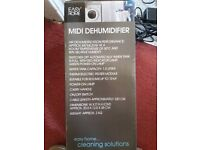 Midi Dehumidifier suitable for small room 1.5 litre capacity