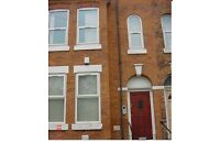 3 bed Flat in Rusholme Victoria park, £75 weekly per room available August