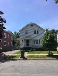 Southend Halifax close to st Mary , Dalhousie University,2800$