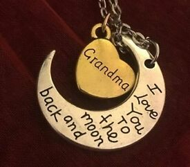 BRAND NEW GRANDMA I Love You to The Moon And Back Necklace with A Gift Bag £5 Each