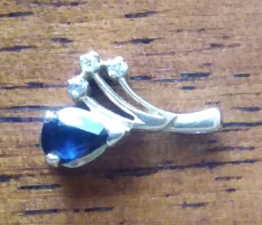 9ct gold sapphire and diamond pendant