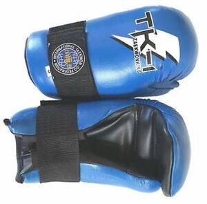 Taekwon-Do sparring gloves and boots Beverly Hills Hurstville Area Preview