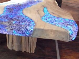 Glowing Concert countertop & Dining table