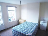 LARGE DOUBLE ROOM - Furnished with water & Council tax bills included - Prince of Wales Av