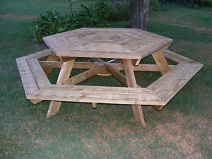 OCTAGON WOOD PICNIC TABLE