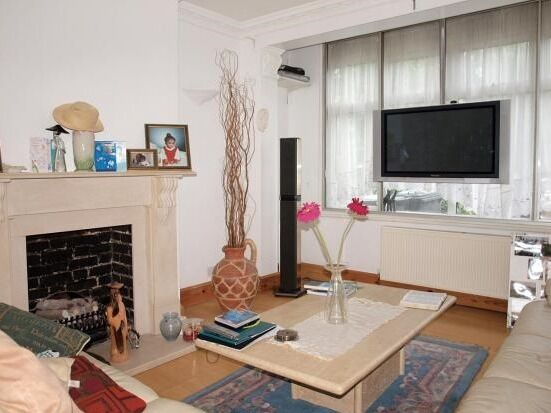 HUGE STREATHAM 4 BED HOUSE - ONLY £510PW!!