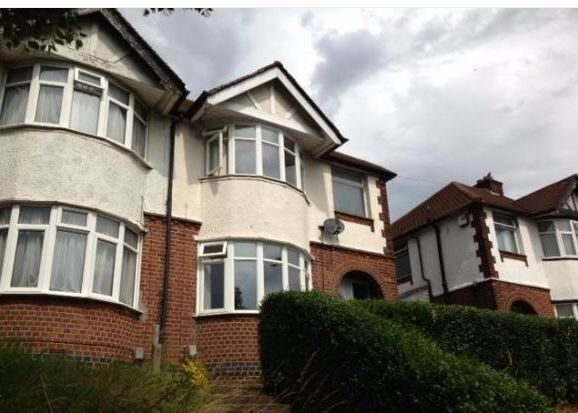 3 Bedroom House on Crawley Green Road
