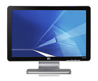 """20"""" HP Pavilion w2007 LCD Monitor with Built in Speakers"""