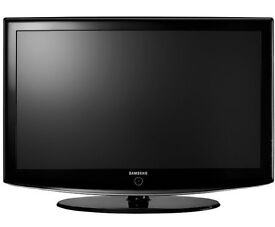"""Samsung 32"""" TVs for sale is used but good condition. Comes with swivel stand and freeview."""