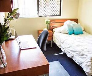 Comfortable room in a beautiful unit Labrador Gold Coast City Preview