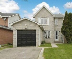 4 Bedroom House in Central Ajax - Walking distance to everything