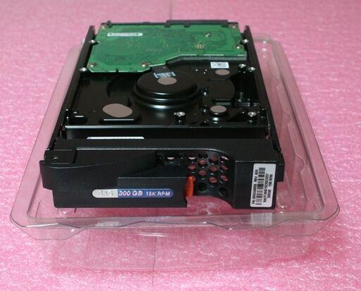 EMC AX-SS15-300 300GB 15K SAS Disk AX4 AX4-5F AX4-5i 005048786 005048875