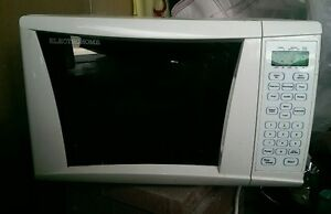 ElectroHome EH8313 Microwave for sale for $30
